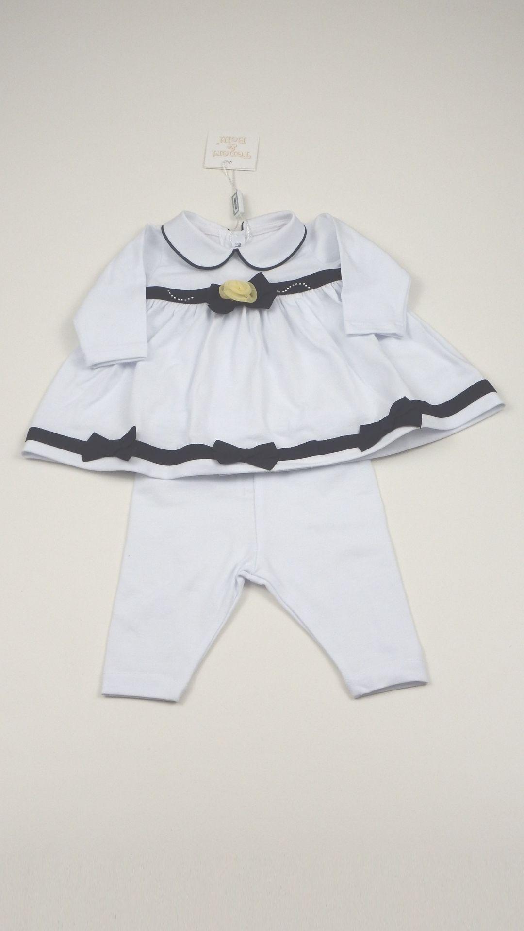 Tutorial per fare una scarpina da neonata a uncinetto taglia 1 - 3 mesi modello ballerina, con laccetto alla caviglia e fiocchetto.
